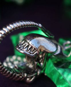 Alien Xenomorph X121 Metal Necklace / Pendant - Inspired by Aliens