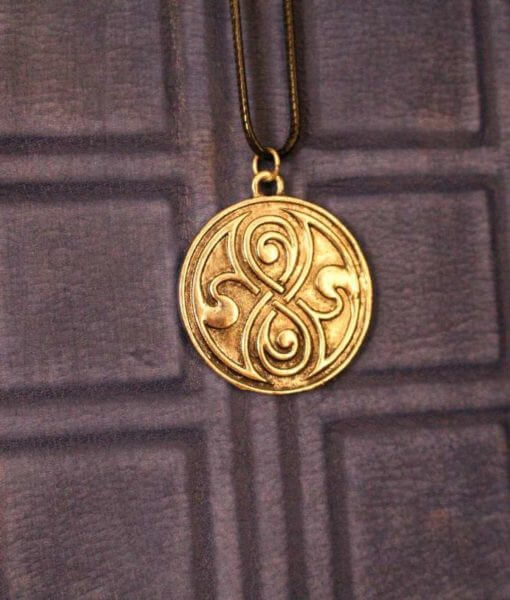 Doctor Who Time Lord Seal of Rassilon Gallifrey Necklace / Pendant