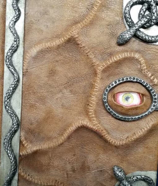 Hocus Pocus Spellbook Replica - Manual of Witchcraft and Alchemy iPad / Kindle / eReader / Tablet Cover